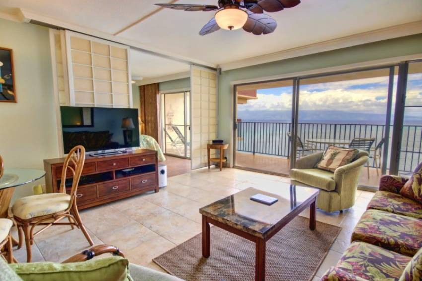 Hololani Vacation Rentals in Maui Oceanfront