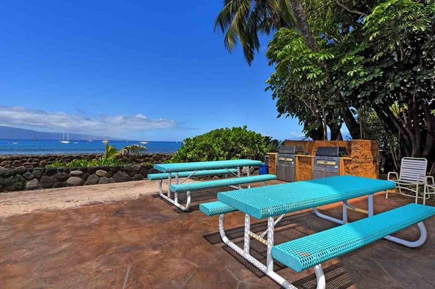 BBQ Grills and picnic tables with a view at Lahaina Roads Resort