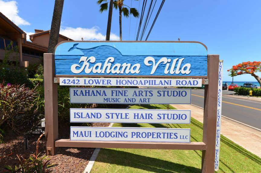 Kahana Villa Sign