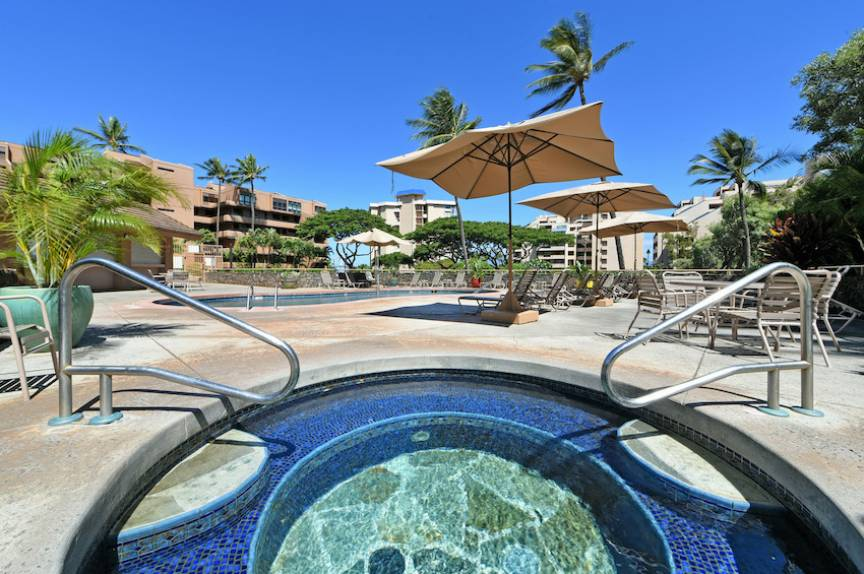 Kahana Villas Pool and Spa