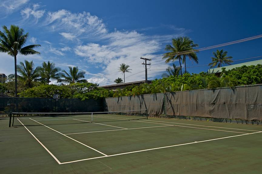 Pohailani Resort tennis court, Maui