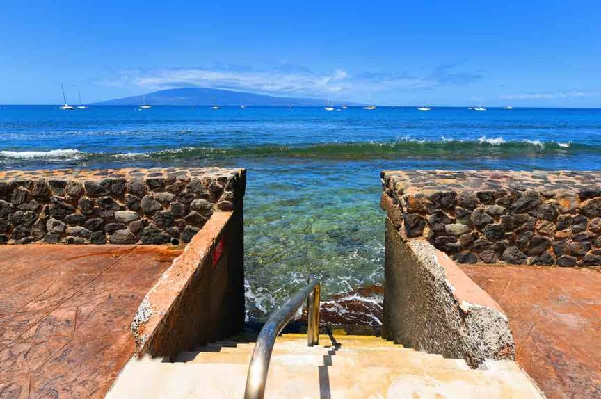 Entrance to the water at Lahaina Roads Resort