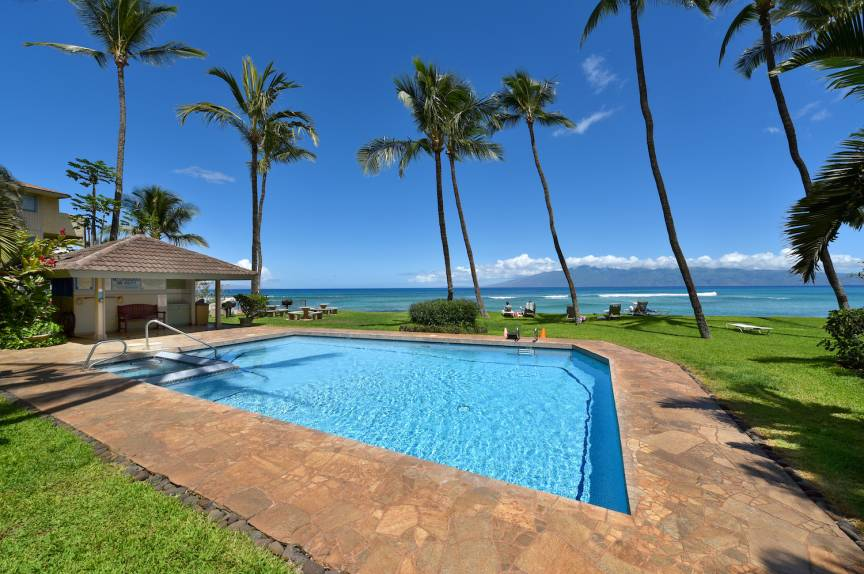 maui vacation rental pool