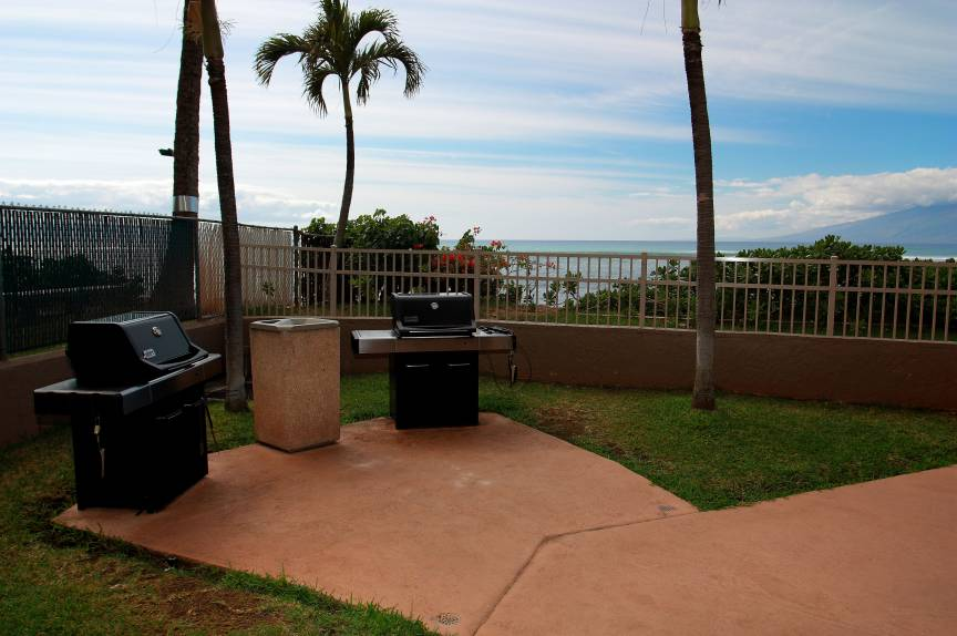 Royal Kahana Resort Maui grill / barbecue