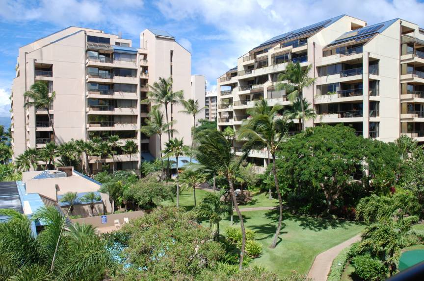 grounds at the Sands of Kahana