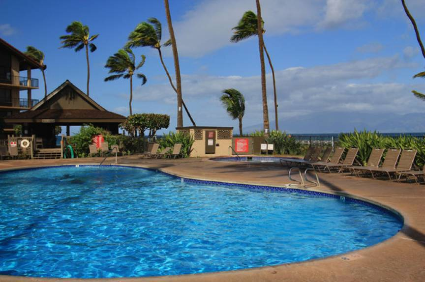 Papakea Resort outdoor pool